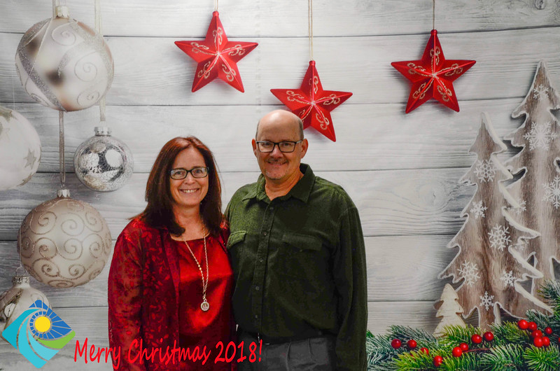 Christmas Photobooth 2018-013_01.jpg