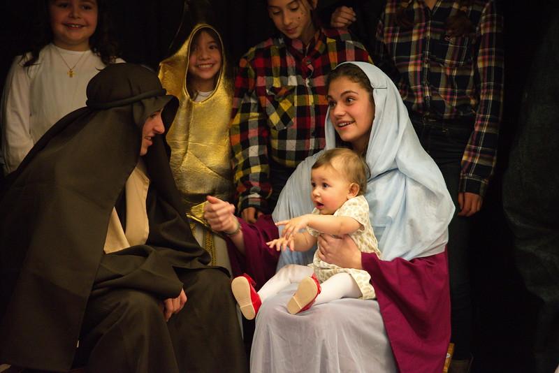 2014-12-21-Christmas-Pageant_222.jpg