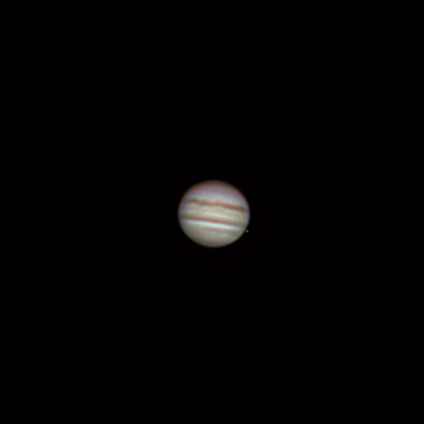 Jupiter 1. 6. 2018 zhruba 1:40 SELČ. Krátce před zákrytem měsíce Io. SkyWatcher 130/650, barlow 2x, MS Lifecam Studio, stack cca. 1000 snímků.