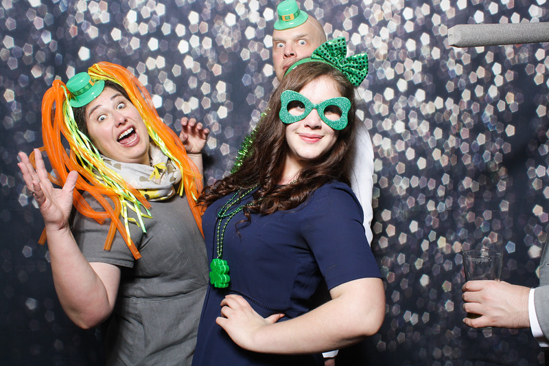 SavannahRyanWeddingPhotobooth-0108.jpg