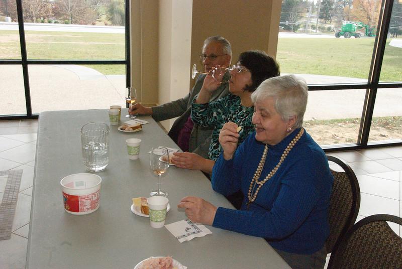 2013-11-14-Seniors-Ministry-Wine-Tasting_009.jpg