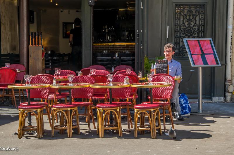 Diner Le Petit Cafe Paris.jpg