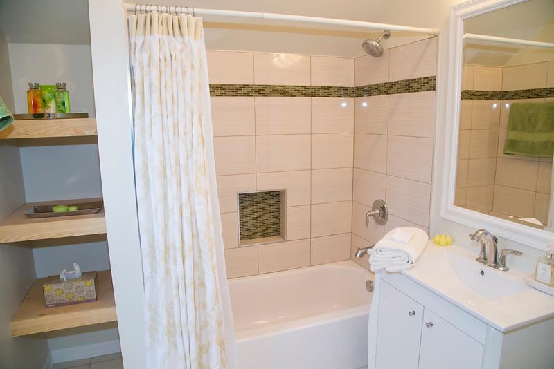 1st Bathroom #4.jpg