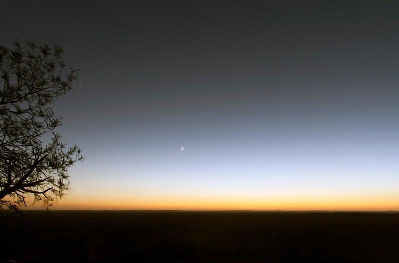 The Moon and Venus in pre-dawn