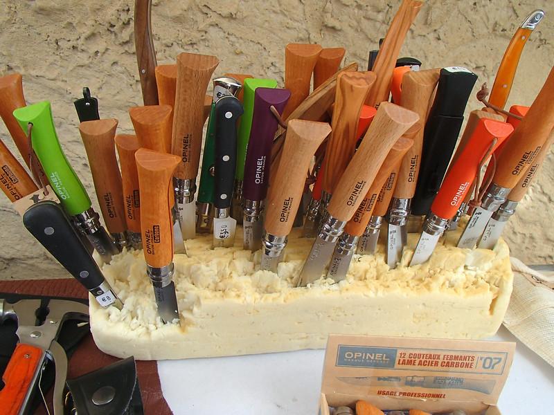 FranceMarketKnivesP7120441.jpg