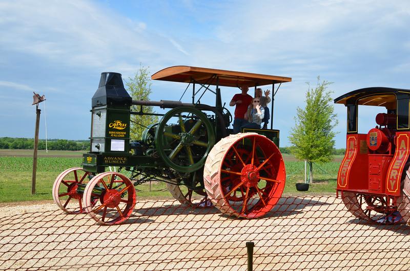 tractorcranking2016-0709.jpg