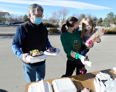 Photos: Community Dare to Care Donates Meals
