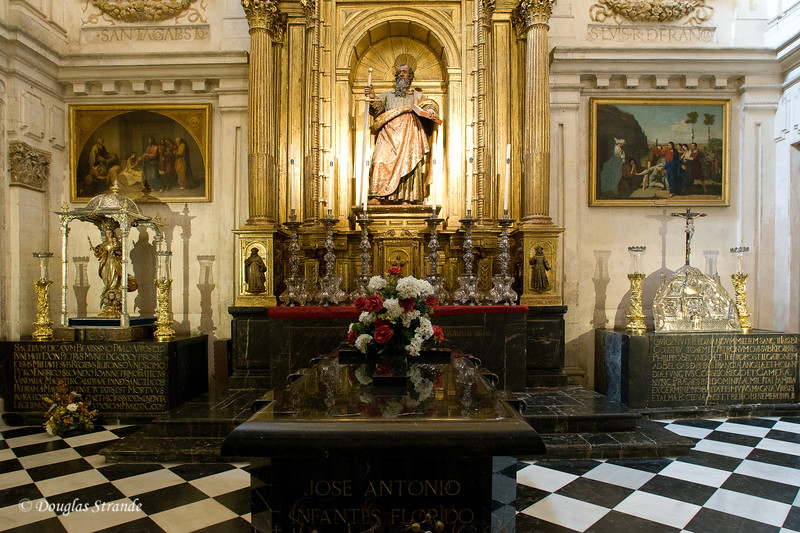 Thur 3/10 in Cordoba:  Tombs inside the Mezquita