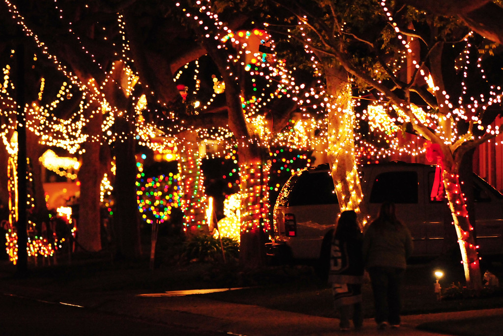 . The holiday lights and displays which span the streets of the Sleepy Hollow neighborhood of Torrance were voted by readers as their favorite holiday attraction in the South Bay. December 11, 2008.  Photo by Steve McCrank.