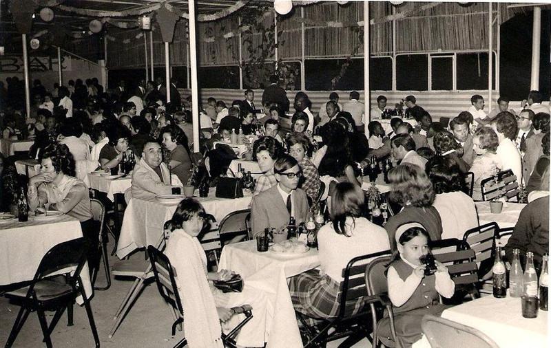 Luisa Fernando Santos, ao lado dela os Lourenços, pais da Vanda, e a Isaura Pereira Reis. No centro bem engravatado o Nuno Miranda!