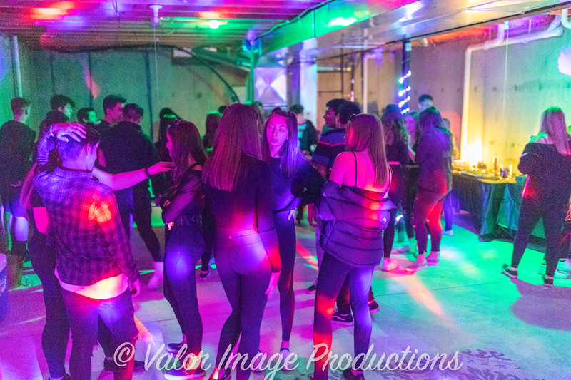 ©2019 Valor Image Productions 17-16043.jpg