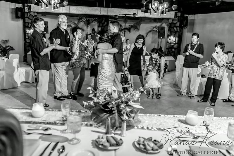 245__Hawaii_Destination_Wedding_Photographer_Ranae_Keane_www.EmotionGalleries.com__140705.jpg
