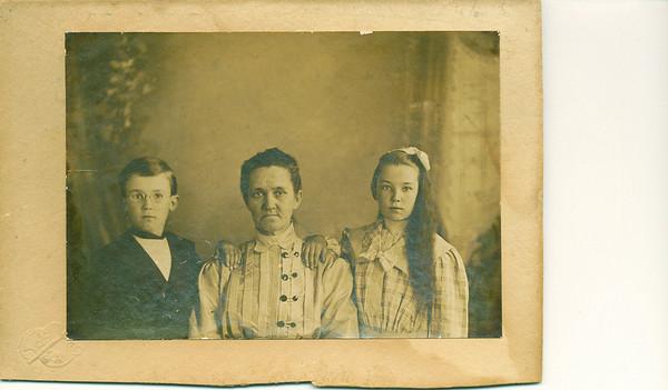 Leslie R. Carpenter's Family Photos