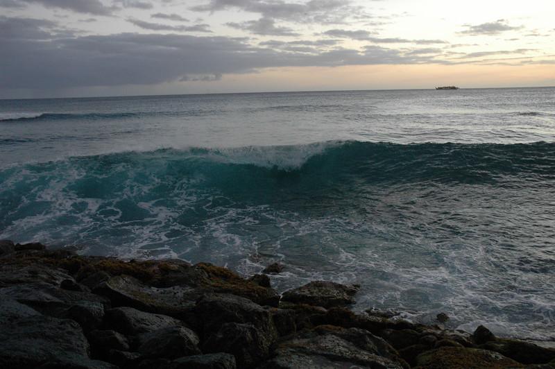 Hawaii - Ala Moana Beach Sunset-184.JPG