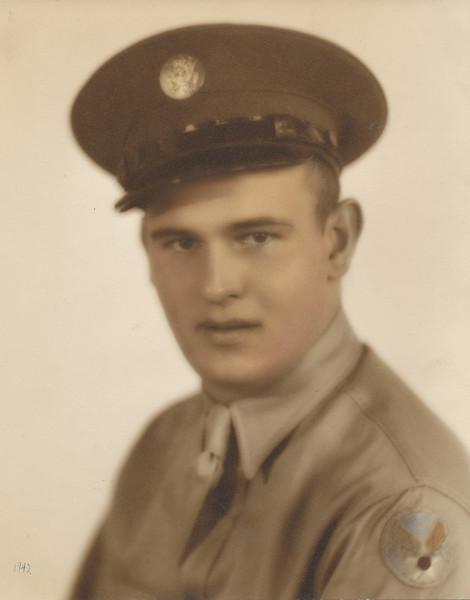 Ellis Sullivan 1942.jpg