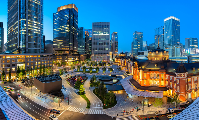 Marunouchi and Tokyo Station in the evening