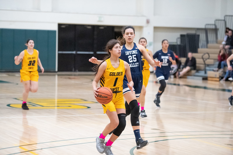 Basketball-W-2020-01-31-7778.jpg