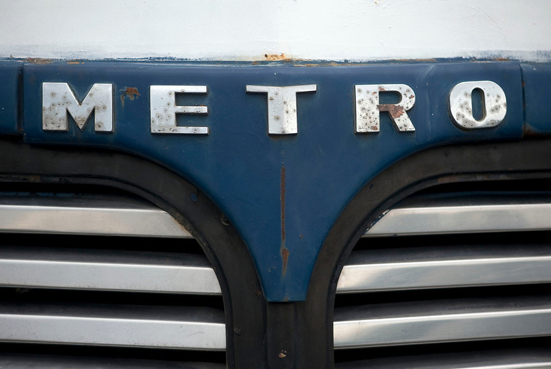 metro-bus-closeup.jpg