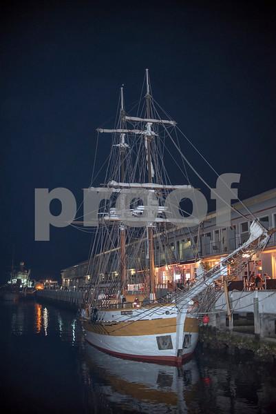 Hobart waterfront 2.JPG