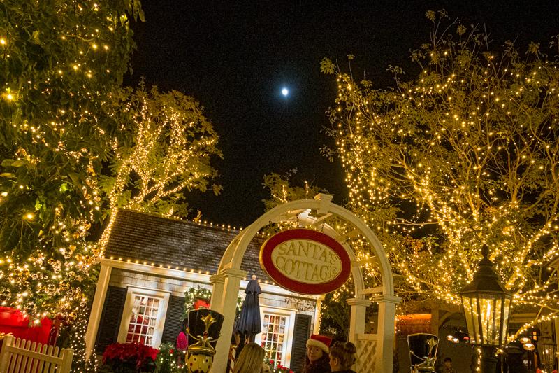 December 9 - Almost fujll moon over Santa's Cottage - WOO HOO!.jpg