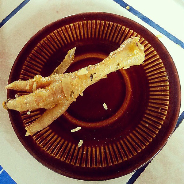 Last_food_photo_from_Ecuador_-_chicken_foot...who_wants_it.jpg