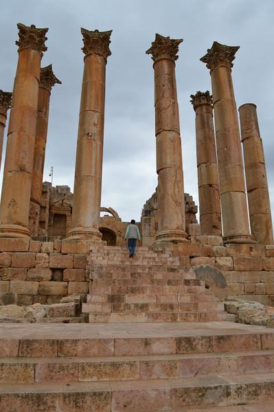 0077_Jerash Temple of Diana.JPG