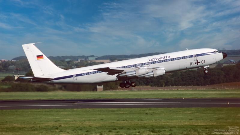 10+01. Boeing 707-307C. Luftwaffe. Prestwick. October 1994.