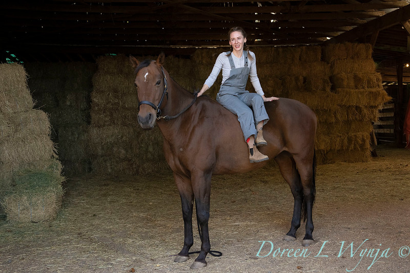 Girl and her horse_165.jpg