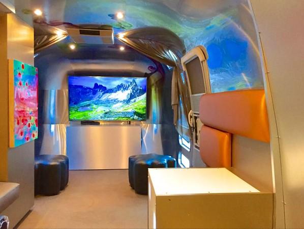 Silver Stream Lounge