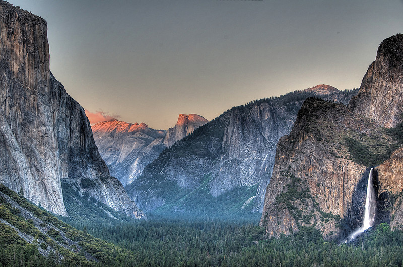 Evening light settling in, Tunnel View point