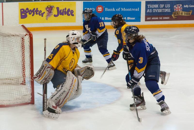 20130310 QWHockeyvsUBC 204.jpg