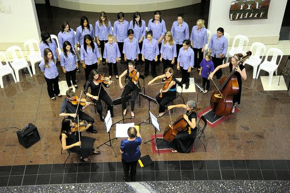 Arafura Ensemble with Darwin Youth Choir 2010