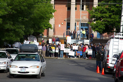 WBC counter-protest GrantHS 060310