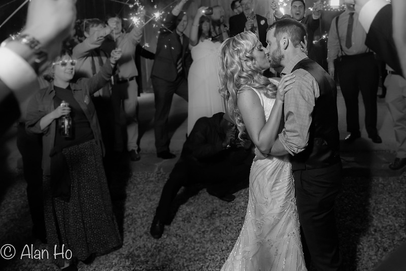 kissing in circle of sparkles b&w.jpg
