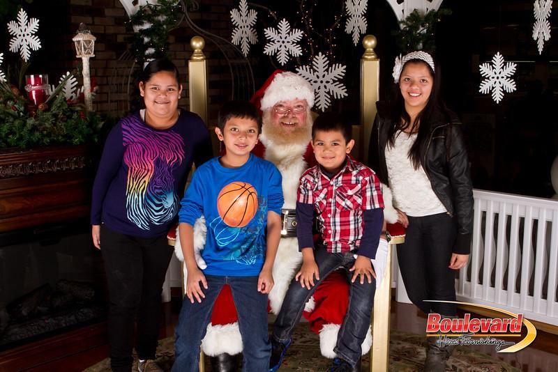 Santa Dec 15-105.jpg