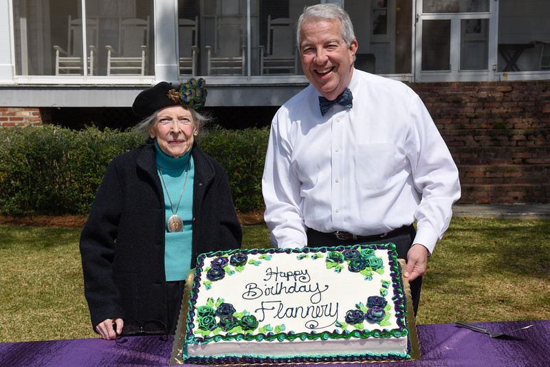 Flannery's Birthday-6367.jpg