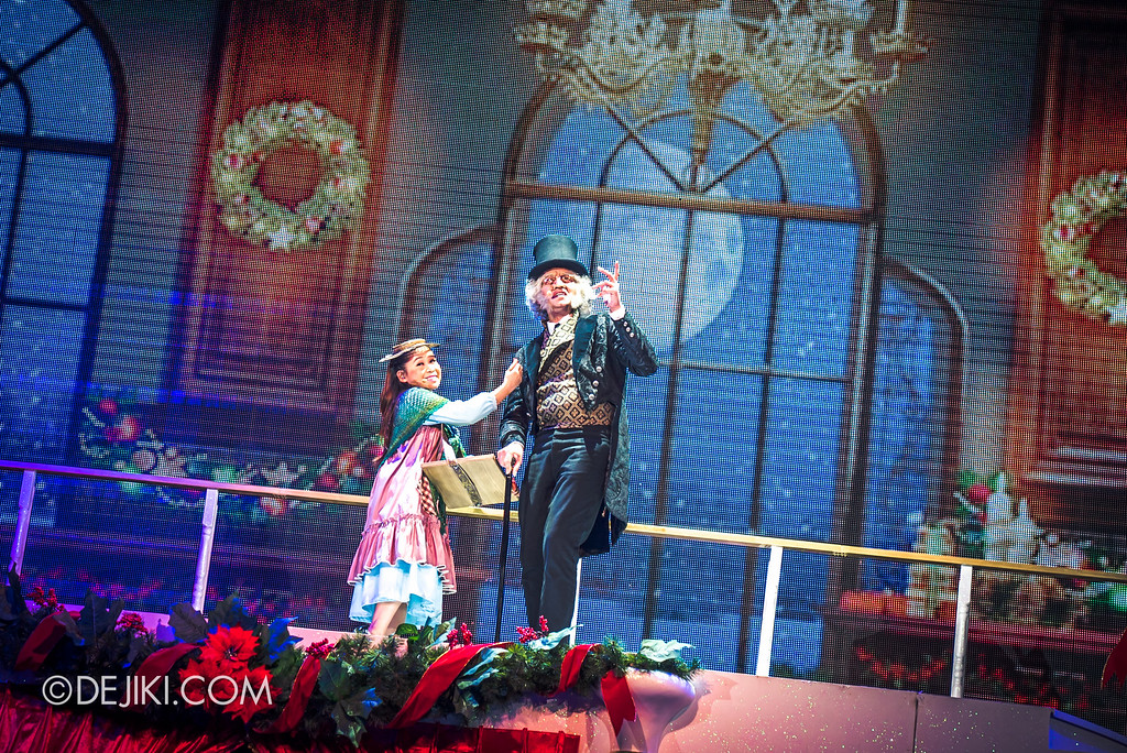 Universal Studios Singapore December Park Update - Santa's All Star Christmas 2016 / Bah Humbug! A Christmas Spectacular show - Little Match Girl and Scrooge