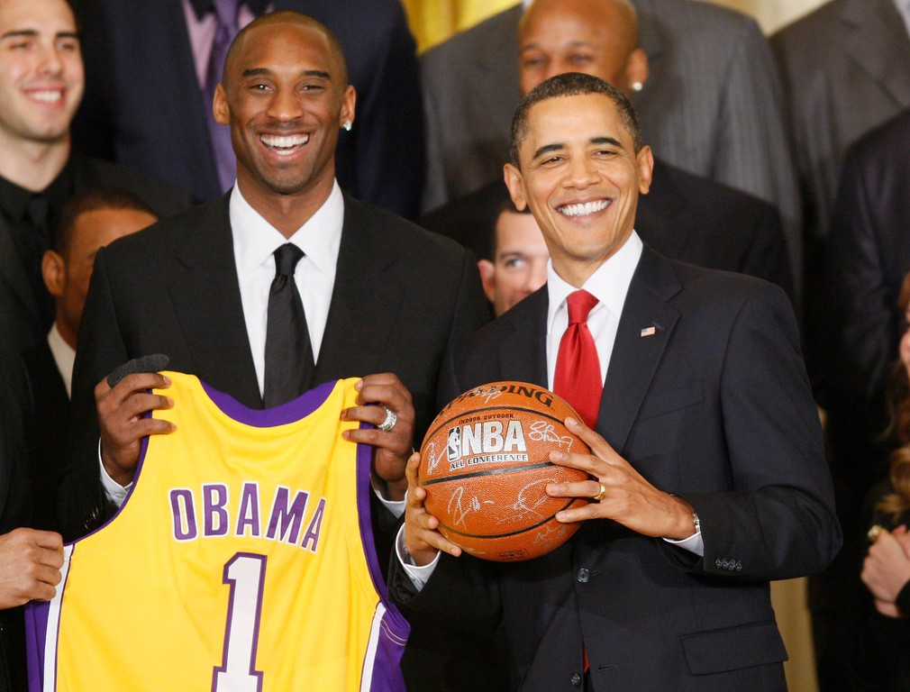 . President Barack Obama stands with Los Angeles Lakers guard Kobe Bryant, in the East Room of the White House in Washington, Monday, Jan. 25, 2010, during a ceremony honoring the 2009 NBA basketball champions Los Angeles Lakers. (AP Photo/Charles Dharapak)