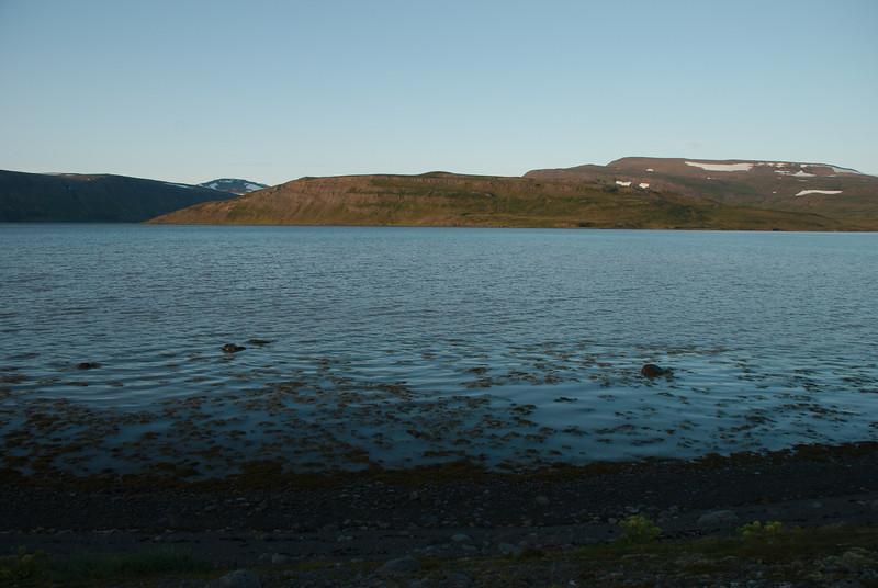Kjósarnes milli Kjósar og Leirufjarðar.