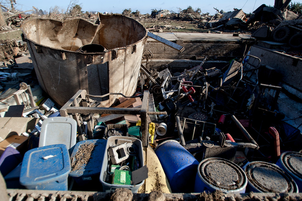 . The remains of a basement of a home on IL-64 after a tornado came through the previous night, on April 10, 2015 in Rochelle, Illinois. According to reports, 11 people were injured and one person was killed when tornadoes and thunderstorms passed through the northwestern suburbs of Chicago. (Photo by Jon Durr/Getty Images)