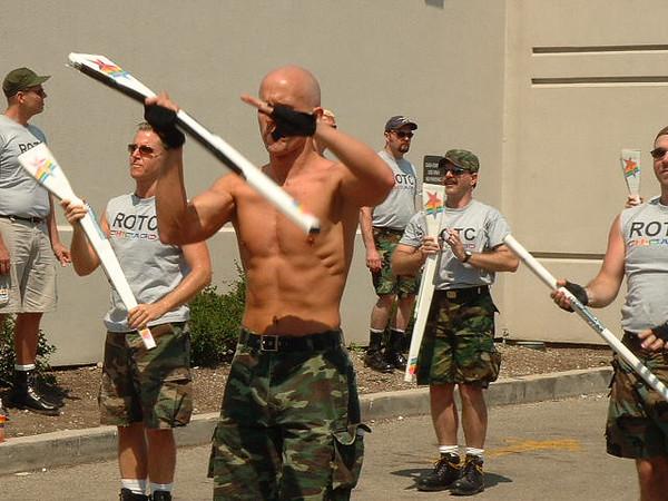 Pride Parade 2001-35-1.jpg