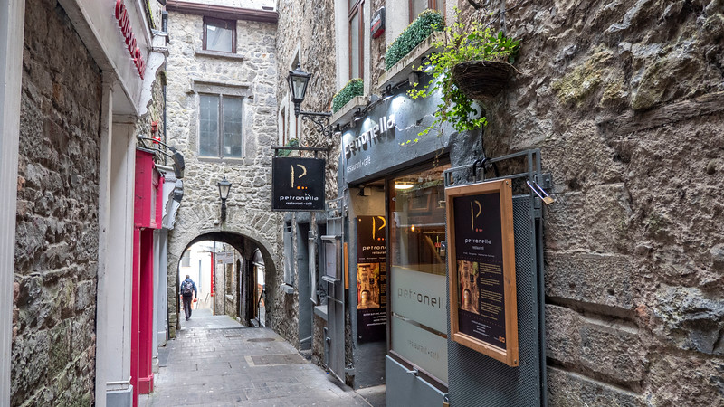 Ireland-Kilkenny-Restaurant-Petronella-01.jpg