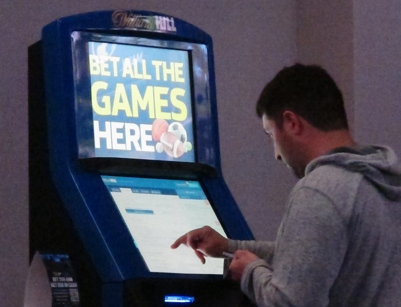 Sports Betting-College Deals