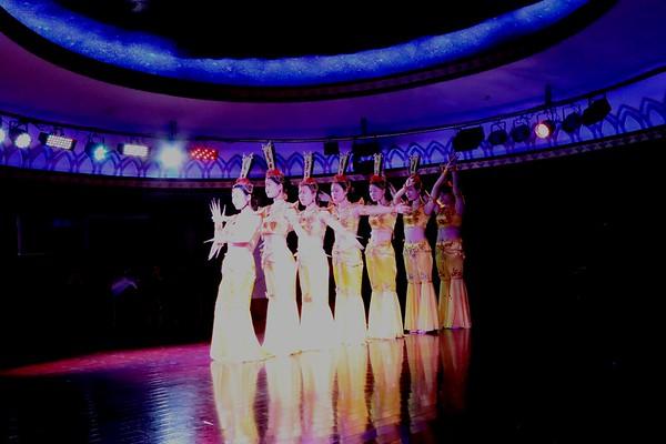 Victoria Cruise show