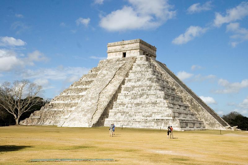 El Castillo 1 at Chichen Itza, Yucatan, Mexico (March 03, 2008).psd