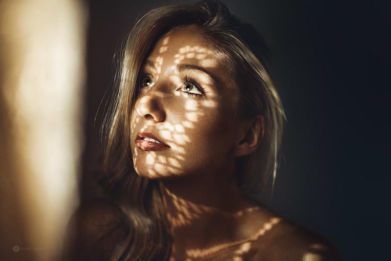 Daniel-Rödel-Photography-Isabelle-van-Hasselt-Emphasize-Color-Frankfurt-Portrait-DSC_8723_WEB.jpg