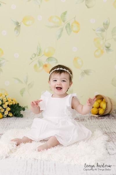 Tonya-Hurter-Photography-Copyright-2019-Newborn-Raleigh370A9589-Edit_.jpg