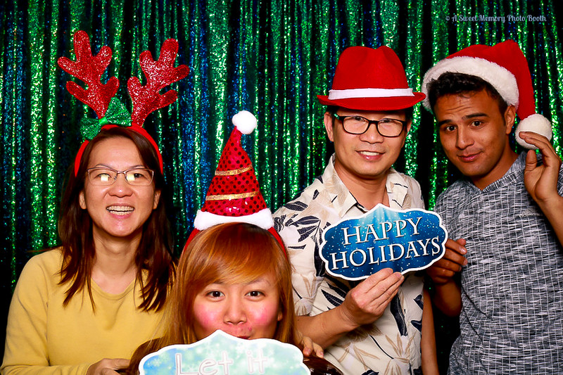 Medtronic Holiday Party -407.jpg
