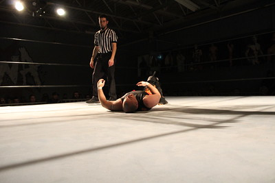 Ball bash wrestling