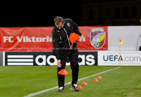 Den před Bayernem: trénink a tiskovka